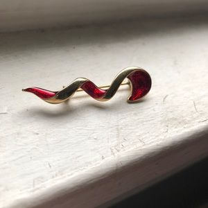 Vintage Red Gold Enamel Brooch